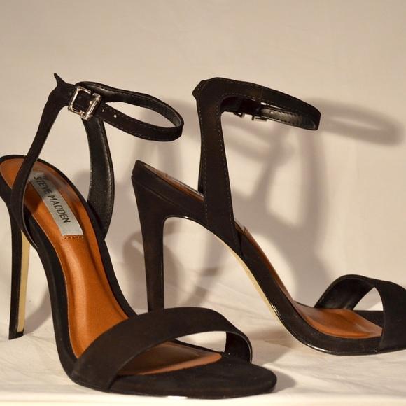 Steve Madden Shoes - Selling black Steve Maddens only worn 2/3 times.